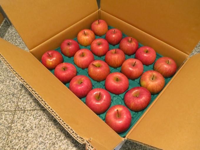 箱,いっぱい,リンゴ