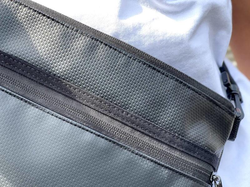マンハッタンポーテージ バッグの素材